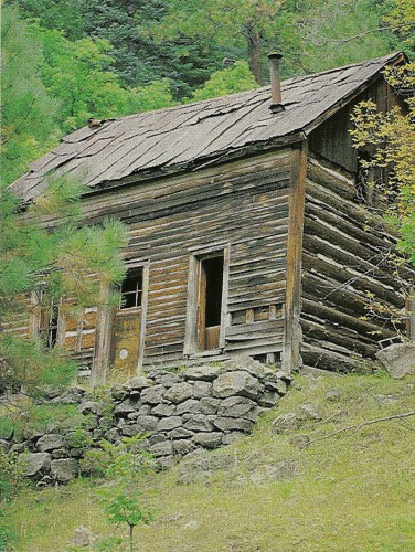 The cabin of Hofheinz, who did much of the stonecutting for the town of Bland. Photo by Joe Wise.